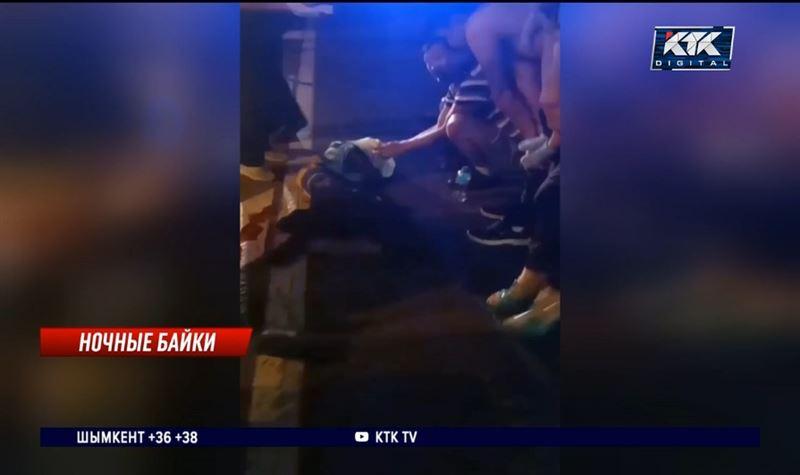 Врачи борются за жизнь ребенка, сбитого мотоциклом в центре Алматы