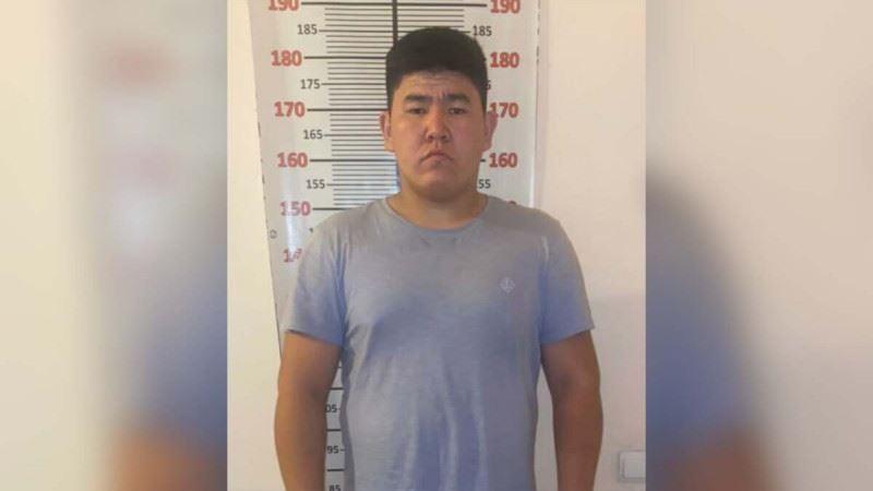 20-летний житель Тараза, представляясь сотрудником полиции, грабил прохожих в Алматы