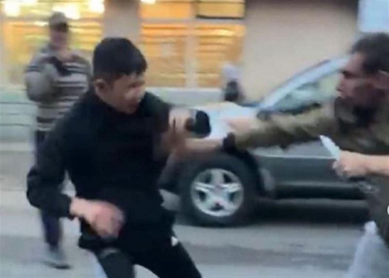 В Караганде напали на подростка, нанеся не менее трех ножевых ранений