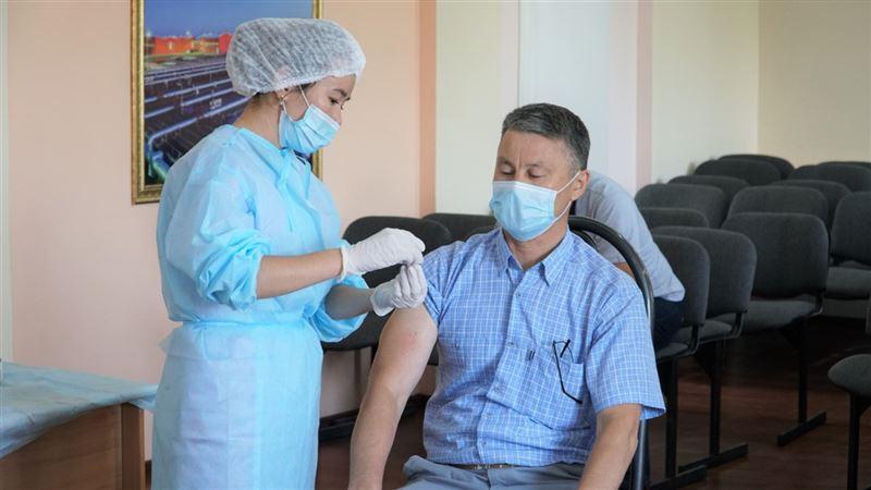 Свыше 320 тысяч человек получило первый компонент вакцины в Нур-Султане