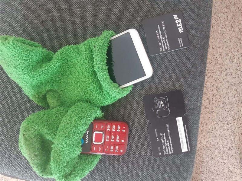 Телефоны в колонию пытались пронести в носках