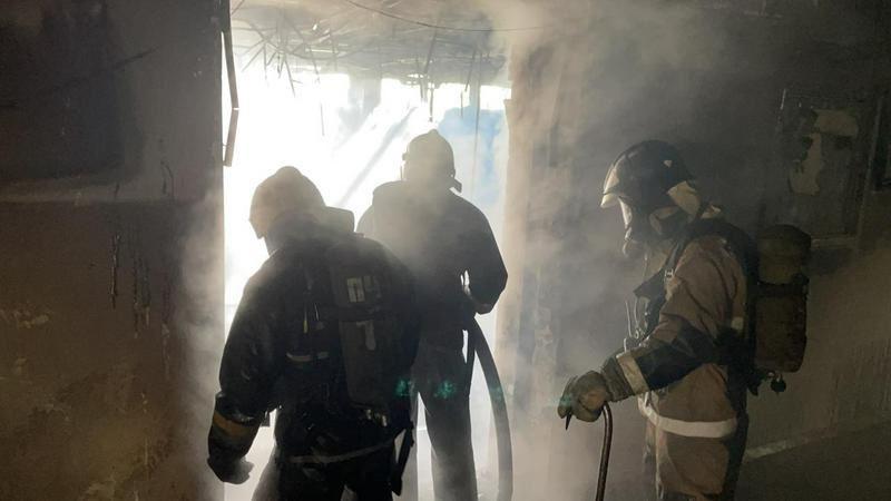 Пожар произошел в здании вуза в Семее