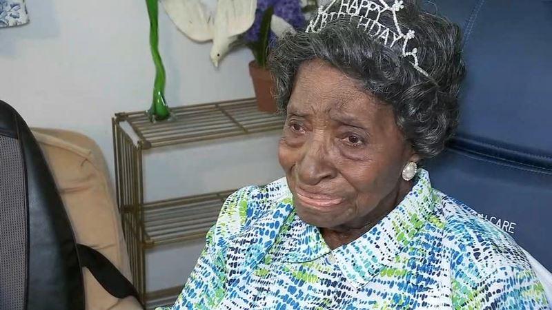 112-летняя пенсионерка рассказала о жизни без диет и раскрыла секрет долголетия