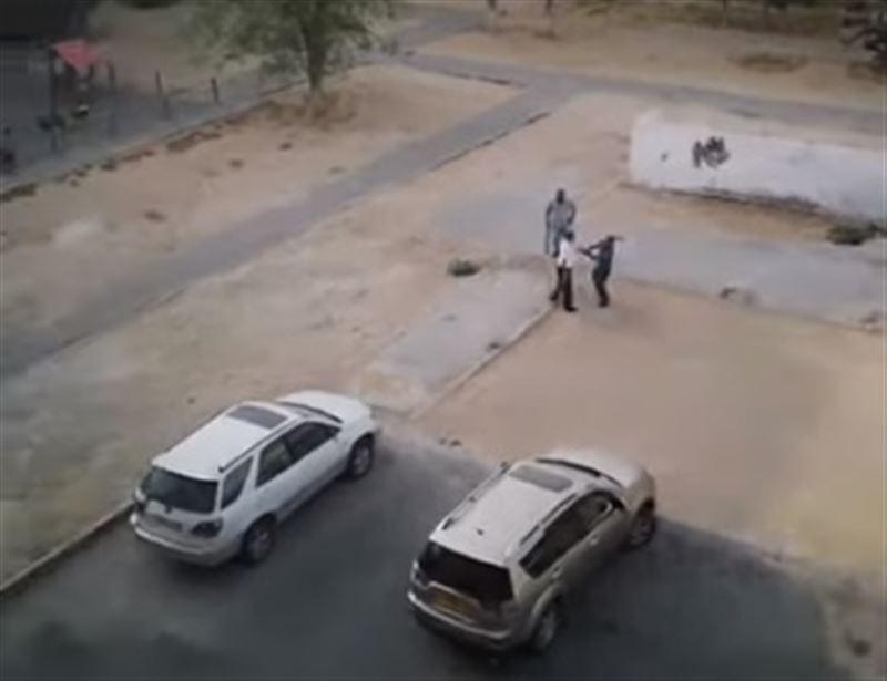 Пьяные мужчины устроили драку на улице в Актау