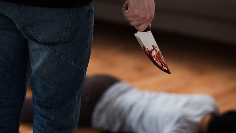 В Алматы мужчина убил жену на глазах сына