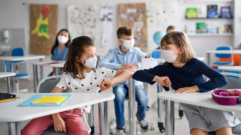 Алматыда оқушылар арасында коронавирус жұқтыру 22 есе өскен