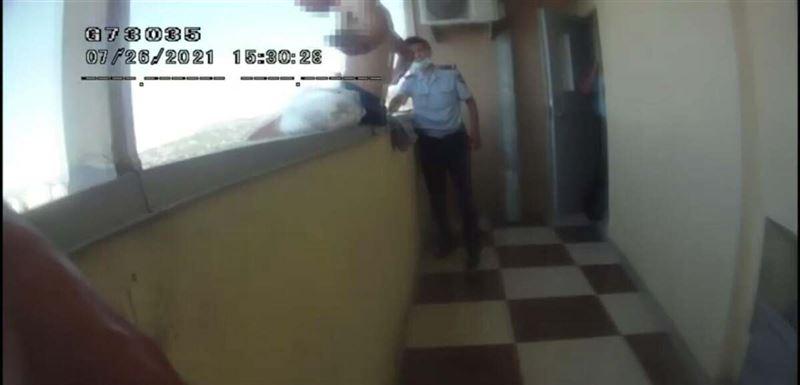 Полиция помешала мужчине совершить суицид в Алматы
