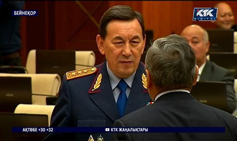 Қалмұханбет Қасымов қызметінен босатылды