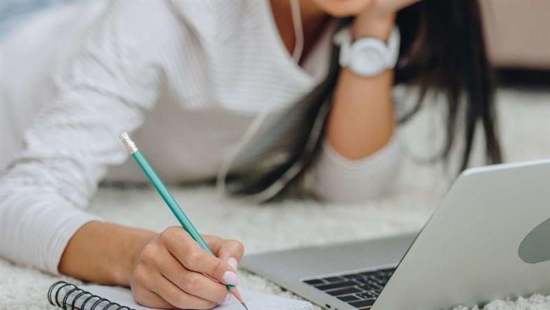 Информацию о дистанционном обучении в школах Казахстана назвали фейком