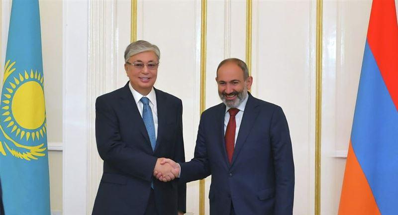 Президент Казахстана поздравил Пашиняна с назначением
