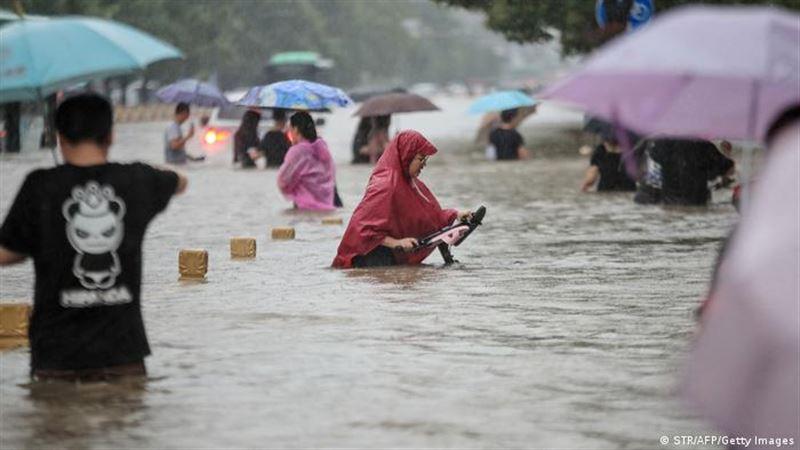 Более 300 человек погибло в Китае в результате наводнений
