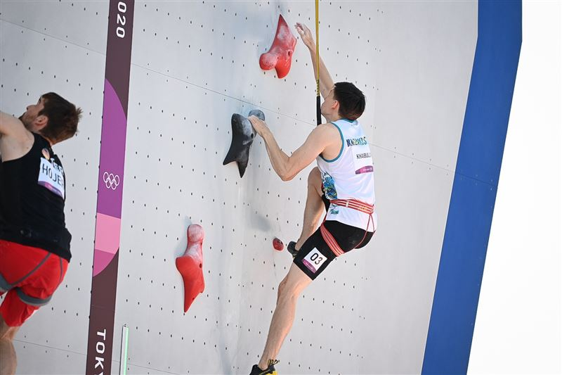 Казахстанец занял четвертое место на отборочном соревновании по скалолазанию на Олимпиаде