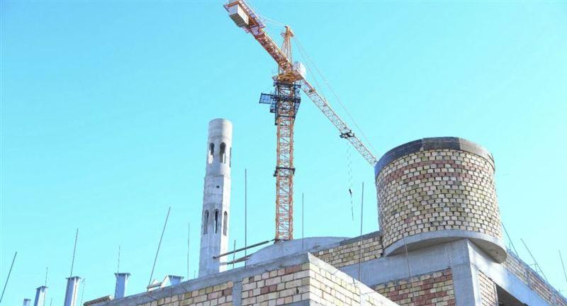 Глава Узбекистана строит мечеть в Туркестане