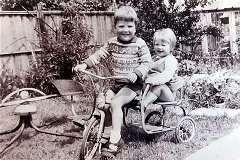 Сводные брат и сестра встретились спустя 40 лет разлуки
