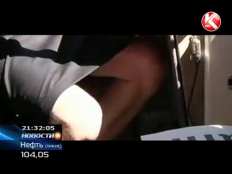 Шведские машинисты спасаются от жары… юбками