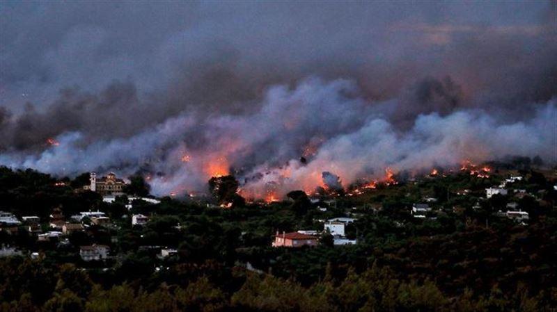 В Греции пожар приближается к объектам Древней Олимпии