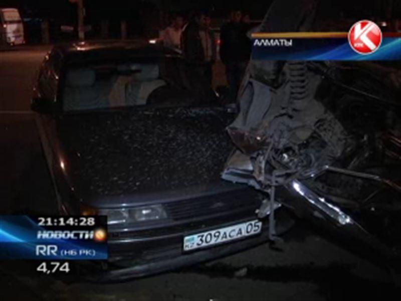 В Алматы водители устроили шоу на дороге, теперь горе-каскадеры в больнице