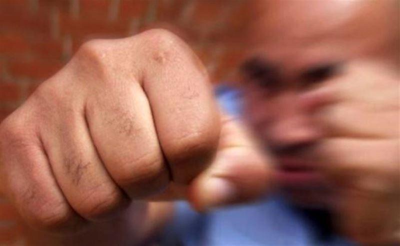 Жительница Алматы заявила, что ее избили и душили в одном из караоке-клубов города