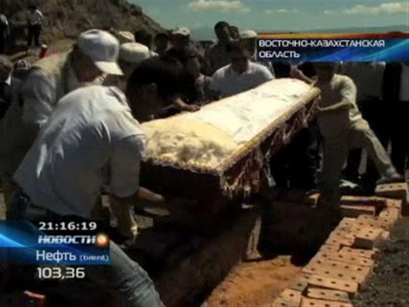 Сакского царя вернули в могилу