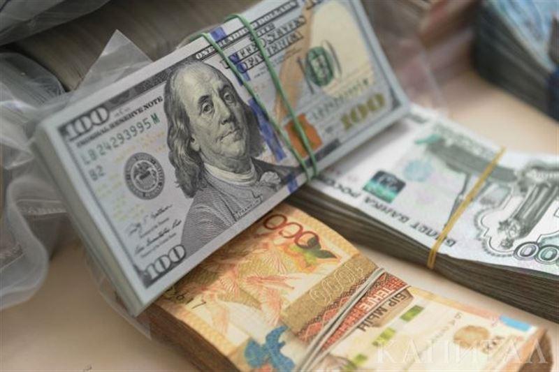 Доллар вырос по отношению к тенге