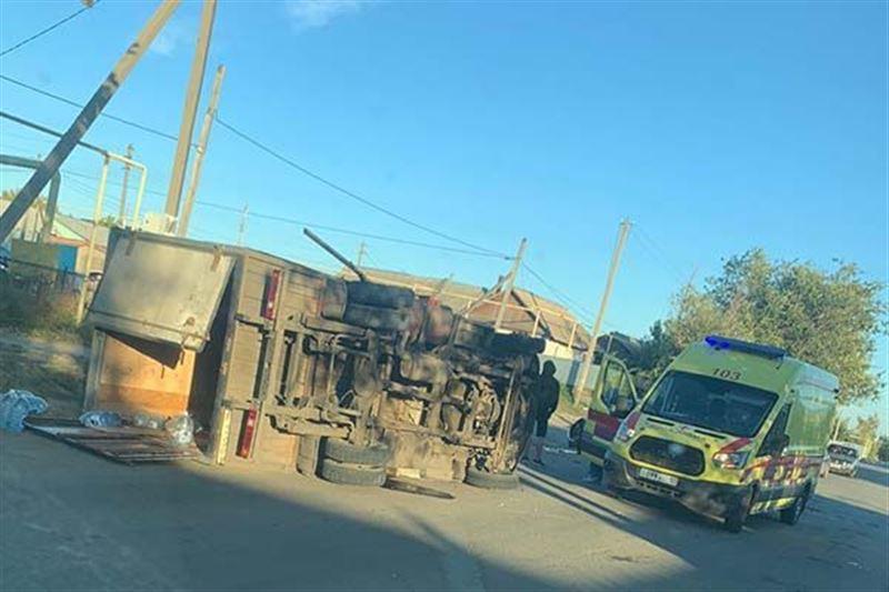 В Костанайской области произошли ДТП с шестью авто и перевертышем
