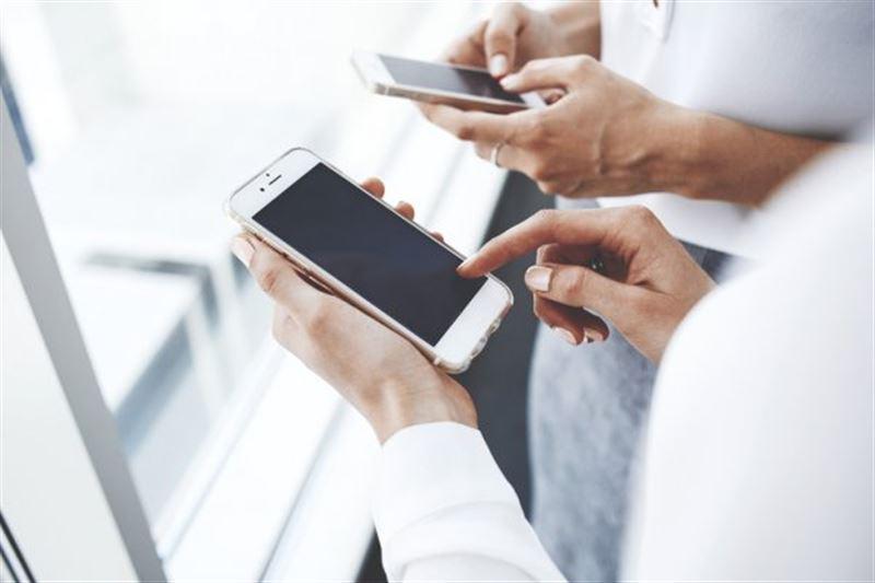 Ғалымдар смартфондардың жаңа пандемияға әкелетінін айтты