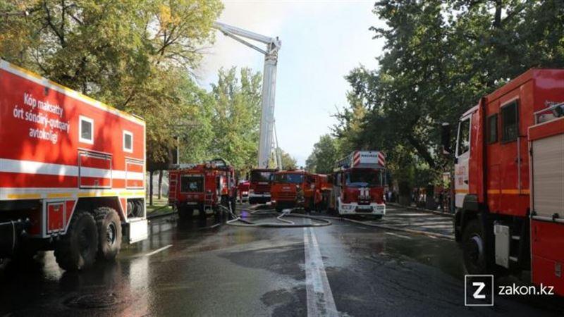 Пожарные полчаса не могли подобраться к горящему дому в Алматы из-за «сухих фонтанов Байбека» – мнение