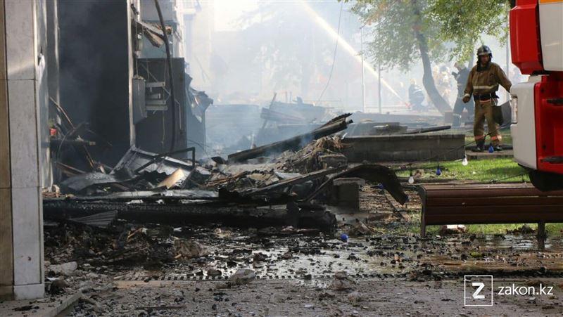 Сильный пожар в центре Алматы локализован