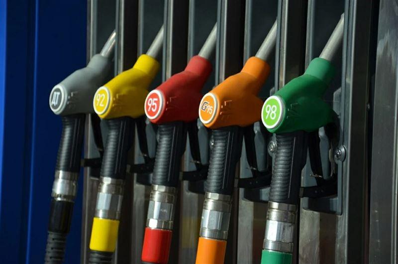 В Казахстане хотят продлить запрет на вывоз бензина и дизтоплива автотранспортом