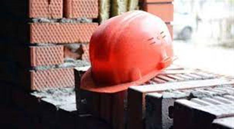 Қарағандыда құрылыс алаңында 20 жастағы жұмысшы көз жұмды