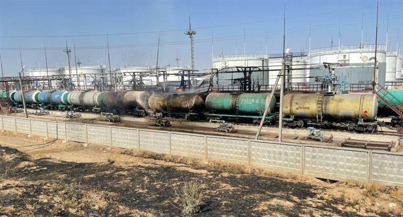 Түркістан облысында 3,5 тонна бензин цистернасы жанып кетті