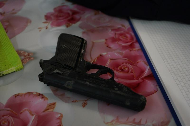 В Петропавловске во время ремонта в новой квартире новоселы нашли пистолет