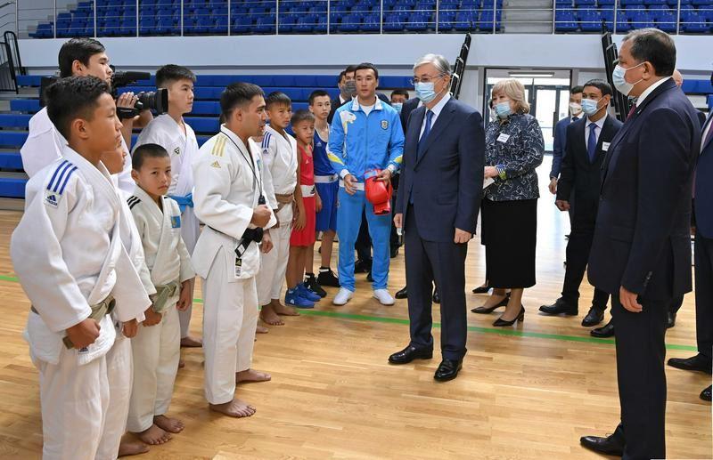 Президент посетил спорткомплекс «Халық Арена»