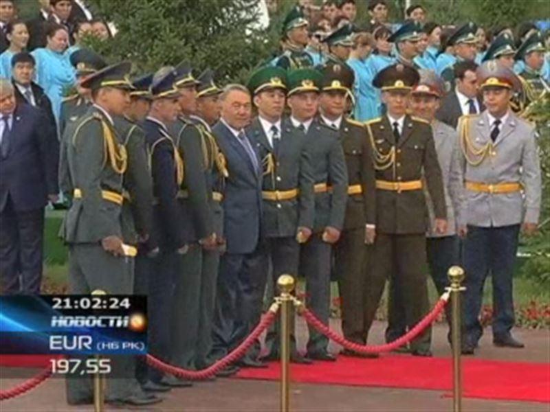Назарбаев угостит казахстанцев огромным тортом