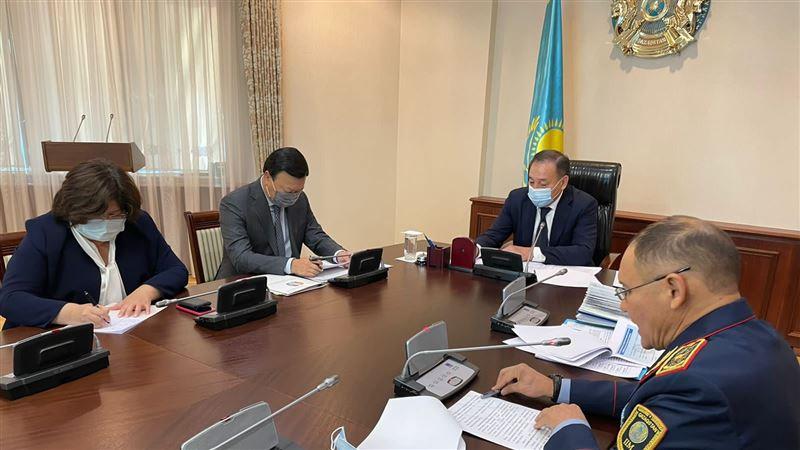 Ералы Тугжанов провел совещание по вопросам противодействия наркопреступности