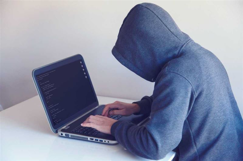 Столичные полицейские задержали парня, подозреваемогов мошенничестве с аккаунтами-двойниками
