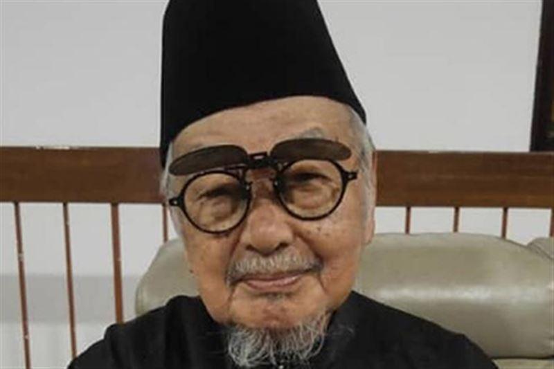 100-летний учитель назвал главный секрет долголетия