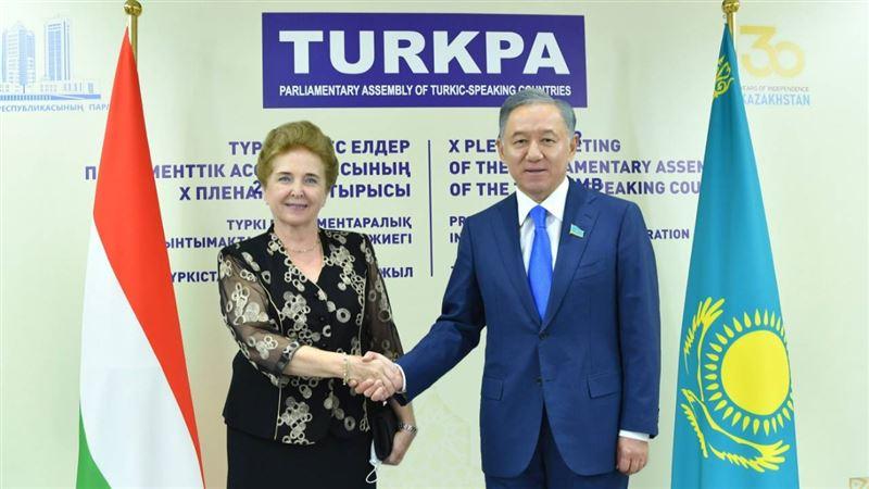 Нурлан Нигматулин провел ряд встреч на полях Х пленарного заседания ТюркПА в Туркестане
