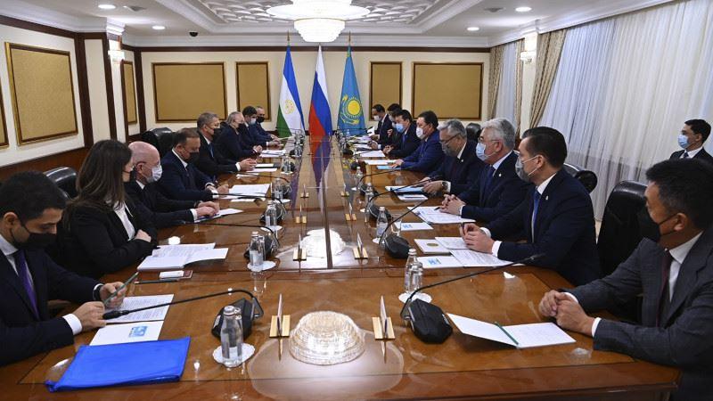 Премьер-министр провел встречу с главой Башкортостана Радием Хабировым