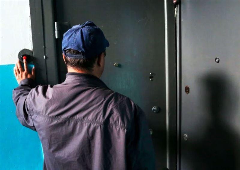 Три квартиры обокрал алматинец, выдававший себя за сотрудника КСК