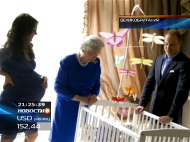 Слюнявчики с королевской символикой принесут Великобритании 400 млн. долларов