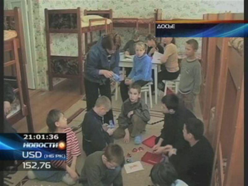 Казахстанских детей, которые находились на ранчо в США, вернули в их приемные семьи