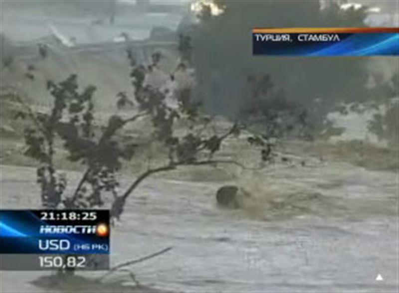 Сильные ливни в Турции привели к масштабному наводнению