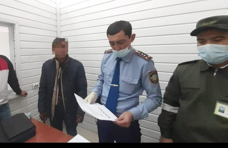 На границе в Туркестанской области задержали иностранца с наркотиками