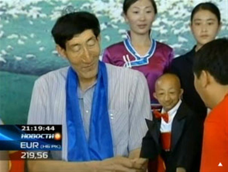 Самый маленький человек в мире живет в Китае