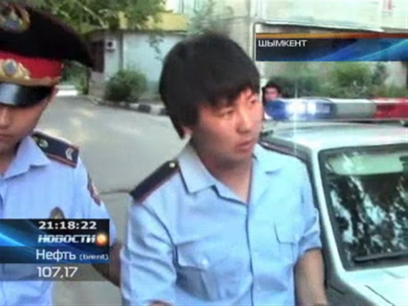 Обросшего и нетрезвого полицейского задержали в Шымкенте  - на поверку он оказался студентом