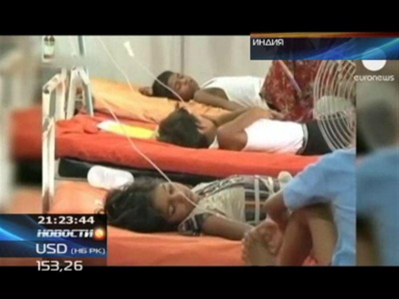 Сразу 900 детей отравились в Индии лекарствами