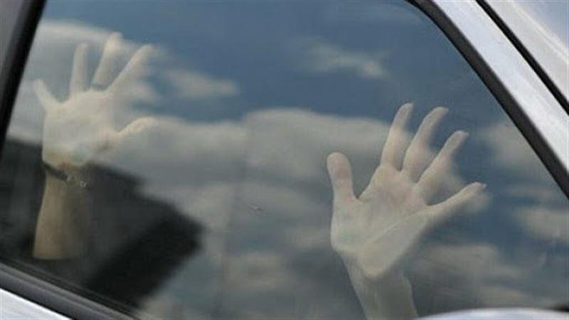 В Актау мужчина изнасиловал девушку в автомобиле