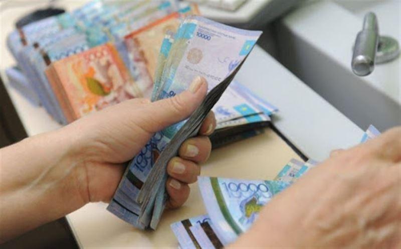 Кто получает самую низкую зарплату в Казахстане