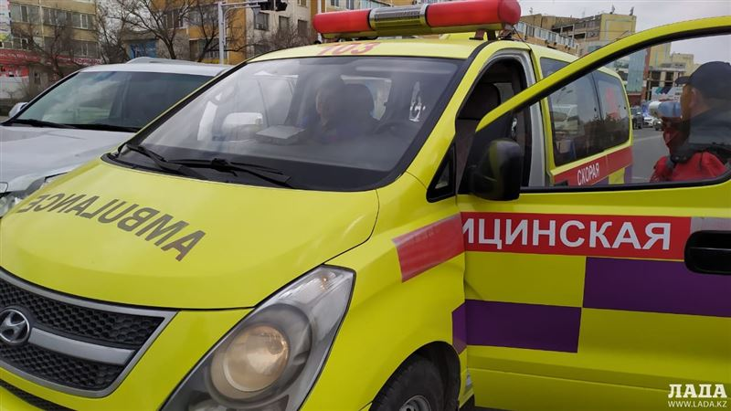 ДТП с участием скорой помощи произошло в Павлодаре